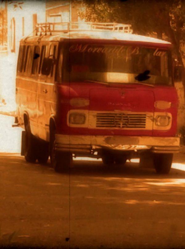 ۵ نفر (قسمت: راننده مینیبوس سرخ)
